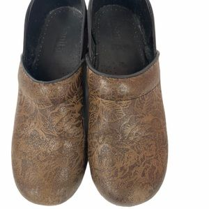 SANITA women's nursing clogs Leather Uppers